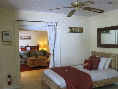 bali-hotel-tulamben-resort-family-room