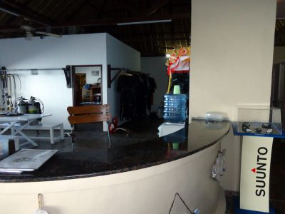 bali tulamben dive center desk