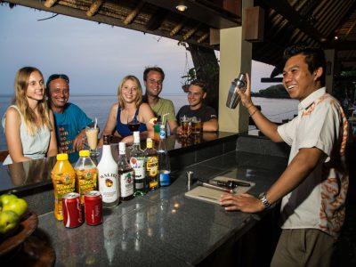bali tulamben tauch resort pool bar