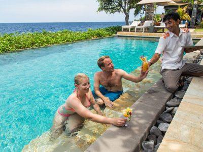 bali-tulamben-dive-resort-pool-service